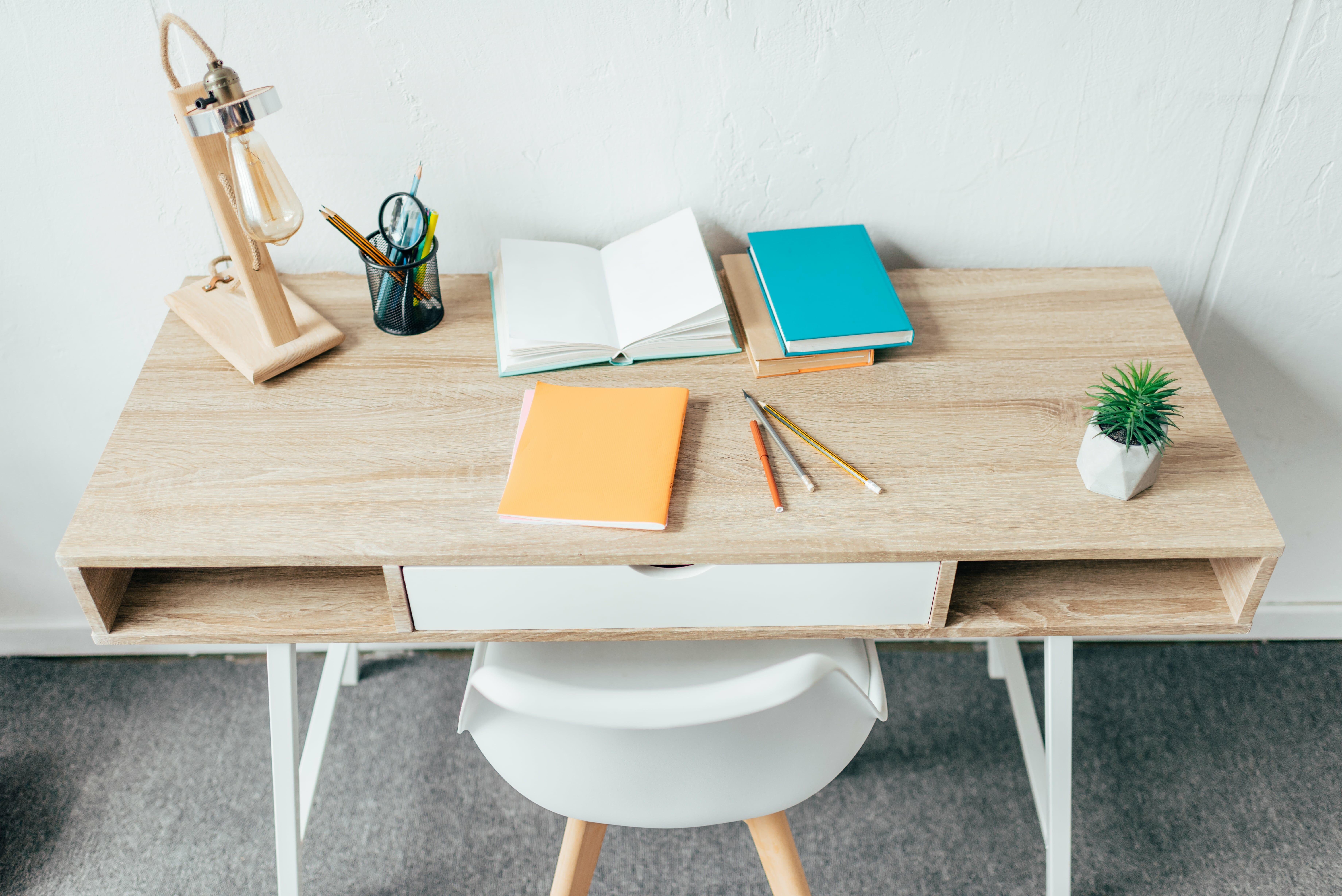 der tisch mehr als nur ein m belst ck 7roomz. Black Bedroom Furniture Sets. Home Design Ideas