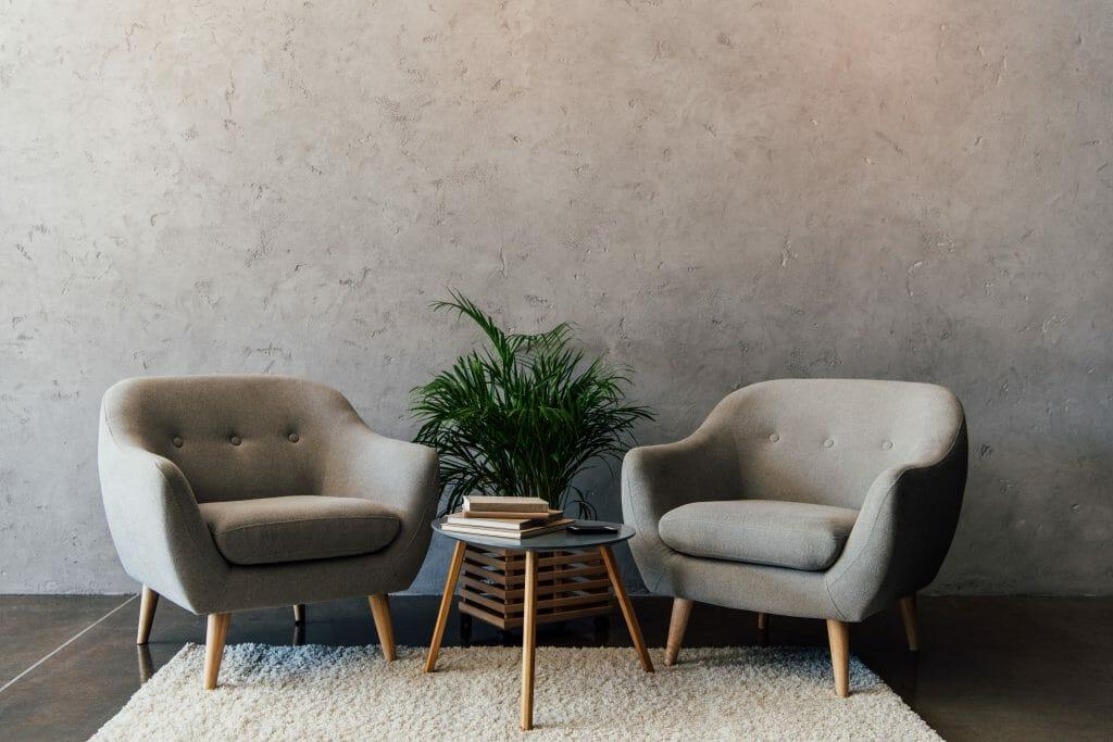 Zimmerpflanzen in kargen Räumen