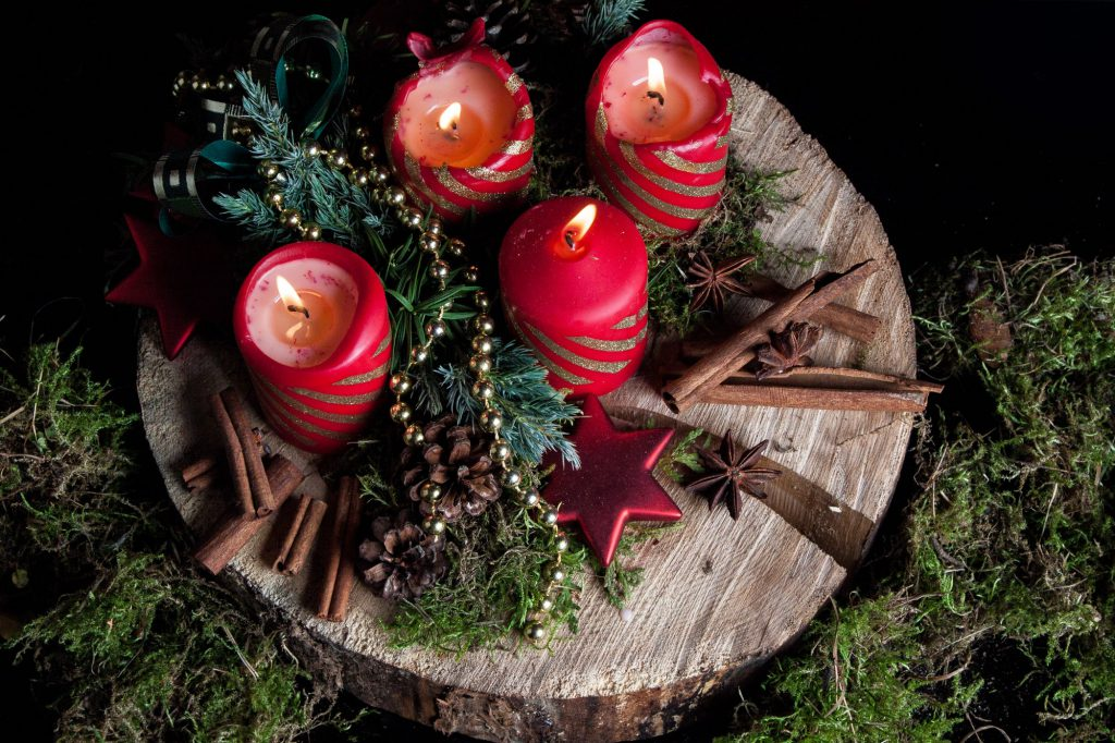 Adventskranz traditionell rot Galerie1