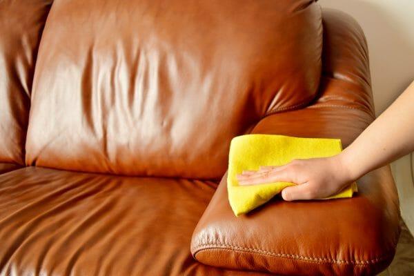 Wie reinigt man Leder Vorschau