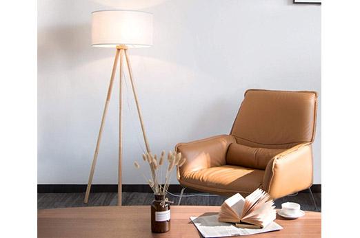 Stehlampe Stativ aus Holz