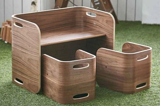 Stuhl und Schreibtisch Kindermöbelgruppe Walnuss