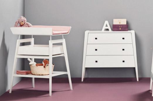 Leander Linea Wickeltisch mit Seitenschutz & Ablagefächern, höhenverstellbar in weiß