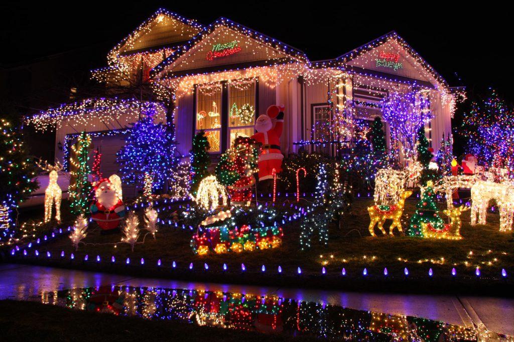 Weihnachtsbeleuchtung am Haus Galerie 4