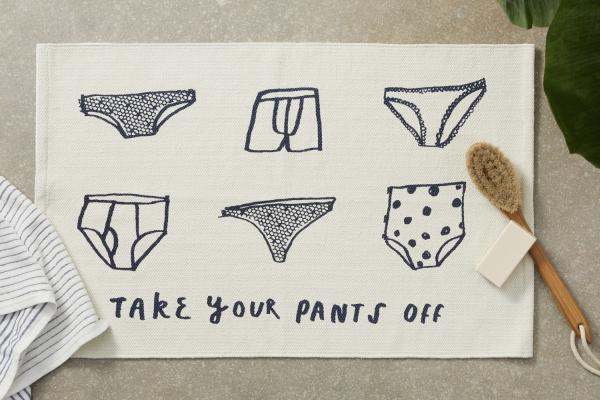 Take Off Your Pants Badematte aus 100 Baumwolle, Weiss und Indigoblau