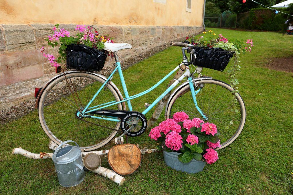 Fahrrad als Möbel für Sperrmüll