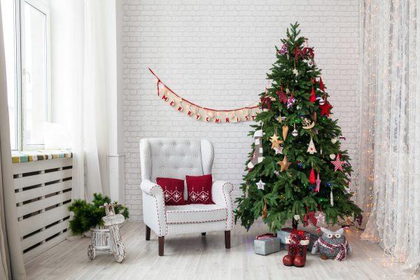 Weihnachtsbaum schmücken Vorschau