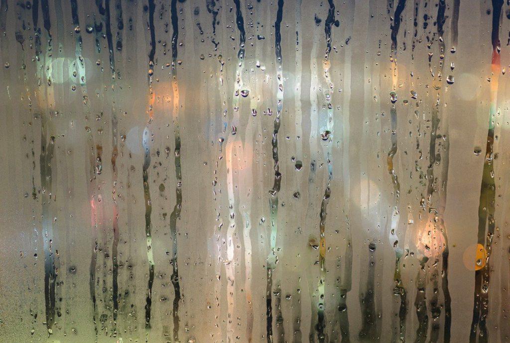 Kondenswasser an Fenster - Richtig Lüften