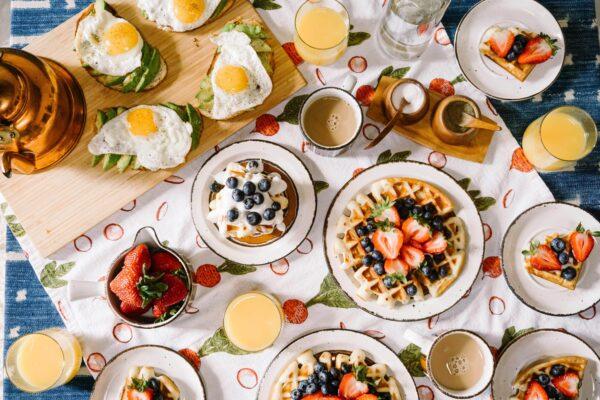 Frühstückstisch decken Vorschau